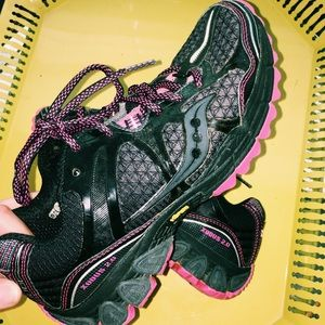 """Women's Saucony """"run anywhere""""  shoes"""